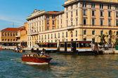 Canal grande in venedig-italien — Stockfoto