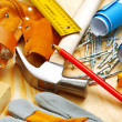 Building tools on wooden boards - Foto Stock