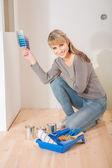 Pintor feminino lindo — Foto Stock