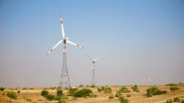 Wind power generators. Indian desert — Stock Video