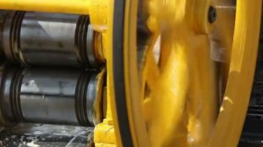 1920x1080 video - working machine for pressing sugar cane juice — Stock Video