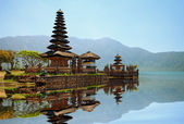 Pura Ulun Danu Bratan hindu temple — Stock Photo
