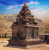 Hindu temple candi Arjuna, Dieng Plateau, Java, Indonesia — Stock Photo