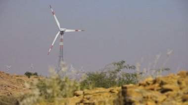Wind Turbines at Indian desert — Стоковое видео