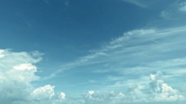 Video 1920x1080 - White clouds in the blue sky. Timelapse in soft colors — Stock Video