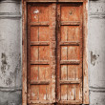Old wooden door - Indian architecture — Stock Photo