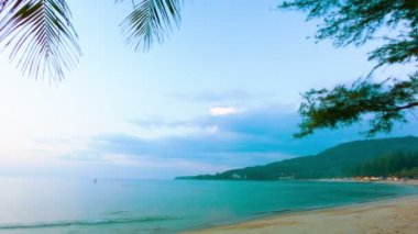 Video 1920x1080 - Thailand, Kamala Beach in the evening, at sunset — Stock Video