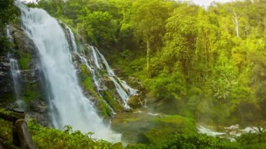 Video 1920x1080 - Wachirathan Waterfall. Thailand, Chang Mai — Wideo stockowe