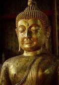 Old statue of Buddha — Stock Photo