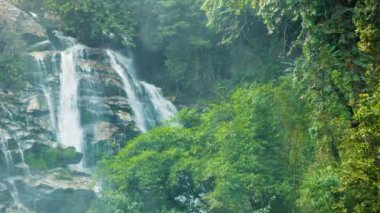 Video 1920x1080 - Large waterfall in the jungle near Chiang Rai, Thailand — Stock Video