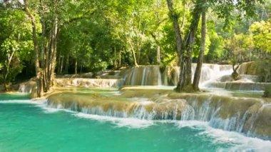 Video 1080p - Kouang Si Waterfall, Laos, Luang Prabang. General view with zoom — Stock Video