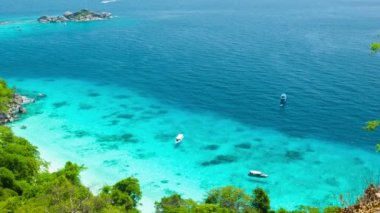Video 1080p - Top view of the ocean bay near the tropical island. Thailand, Similan — Stock Video