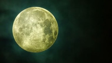 Video 1080p captured by the telescope - Beautiful full moon in clouds — Stock Video