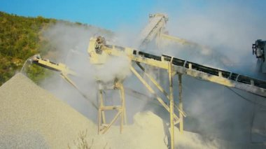 Video 1080p - Small factory for the production of gravel for road construction. Working stone crusher in Burma — Stock Video