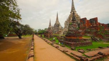 Video 1080p - Panorama of Wat Phra Si Sanphet temple. Thailand, Phra Nakhon Si Ayutthaya Province — Stock Video