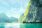 Rocks and sea in Krabi Thailand — Foto Stock