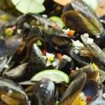 Salad mussel — Stock Photo #23987111