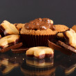 Tasty muffins with chocolate — Stock Photo