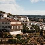 Setenil de las Bodegas is one of the pueblos blancos (white vill — Stock Photo #34219827