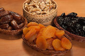 Nurs and dry fruits — Stock Photo