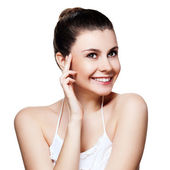 Beautiful young woman with clean skin of the face. Pretty female — Stock Photo