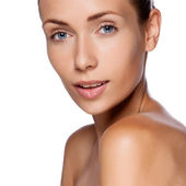 Portrait of young beautiful woman with healthy skin — Stock Photo