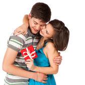 Lyckligt leende par i kärlek. över vit bakgrund — Stockfoto