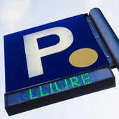 Parking signal over a blue sky — Stock Photo