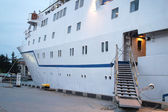 Mooring passenger ship — Stock Photo