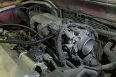 Onderdeel van een auto in reparatie — Stockfoto