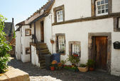 Old street in Culross, Scotland, UK — Stock Photo