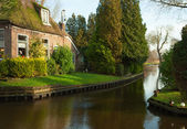 Canal in Giethoorn. — Stock Photo