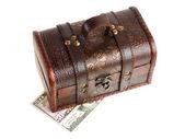 お金で木製のたんす — ストック写真