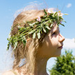 Girl in the grass wreath 4633 — Stock Photo