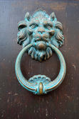 Oude deur knocker — Stockfoto