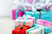 árbol de navidad con regalos — Foto de Stock