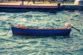 渔夫的小船在海上水 — 图库照片