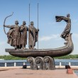 Monument to founders of Kiev — Stock Photo