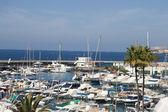 Marina na wybrzeżu costa adeje — Zdjęcie stockowe