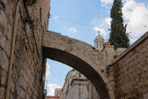 Arch over Via dolorosa street — 图库照片