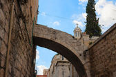 Small arch over Via dolorosa street — 图库照片