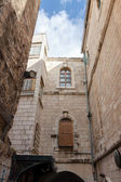 Ancient building on Via dolorosa street — 图库照片
