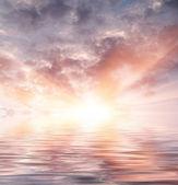 Water sun and sky — Stock Photo