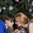 Young couple celebrates Christmas — Stok fotoğraf