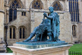 Statue ofConstantine the Great, York, England — Stock fotografie