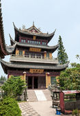Traditional multilevel Chinese monastery — Stock Photo