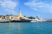 Yachts on raid in port of the Sochi — Stock Photo