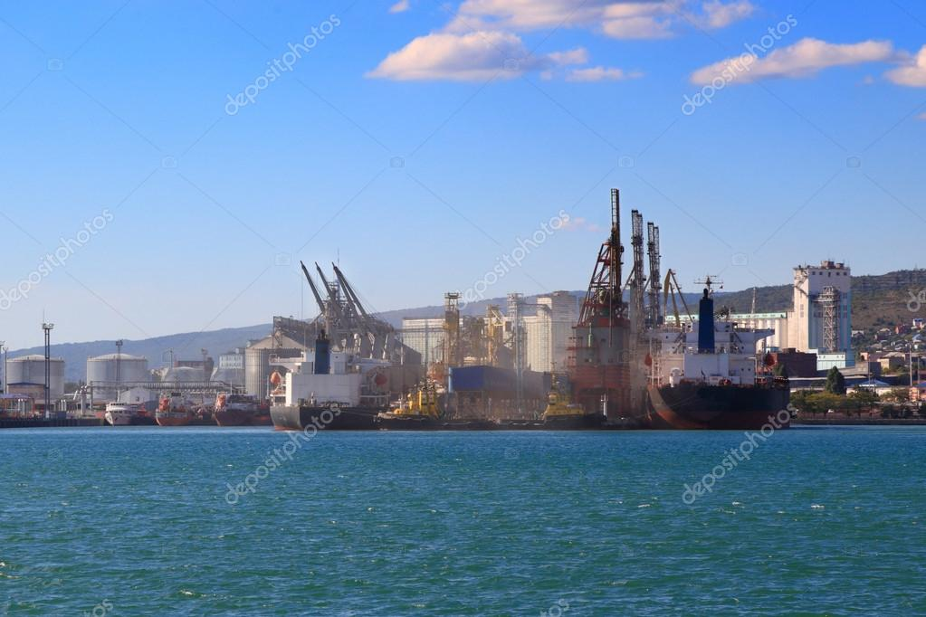 Loading onto bulk cargo freighter, seaport in Novorossiysk, Russia.  Stock Photo #13398837