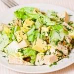 plaat met verse caesar salade — Stockfoto
