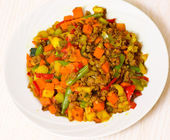 Minced meat with mixed vegetables — Stock Photo